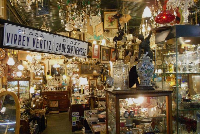 SAN TELMO FERIA IN BUENOS AIRES flea market