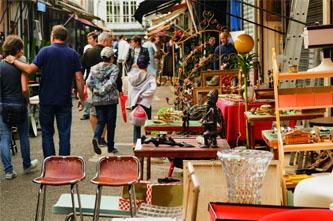 marché aux puces flea market in paris